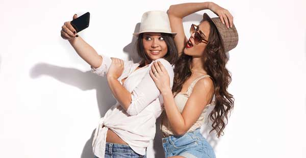 Unit 11: Selfies Intermediate Level 3 Daily English 791 – Taking Photographs