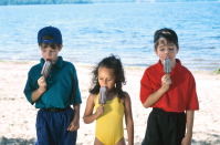 children-eating-popcicles